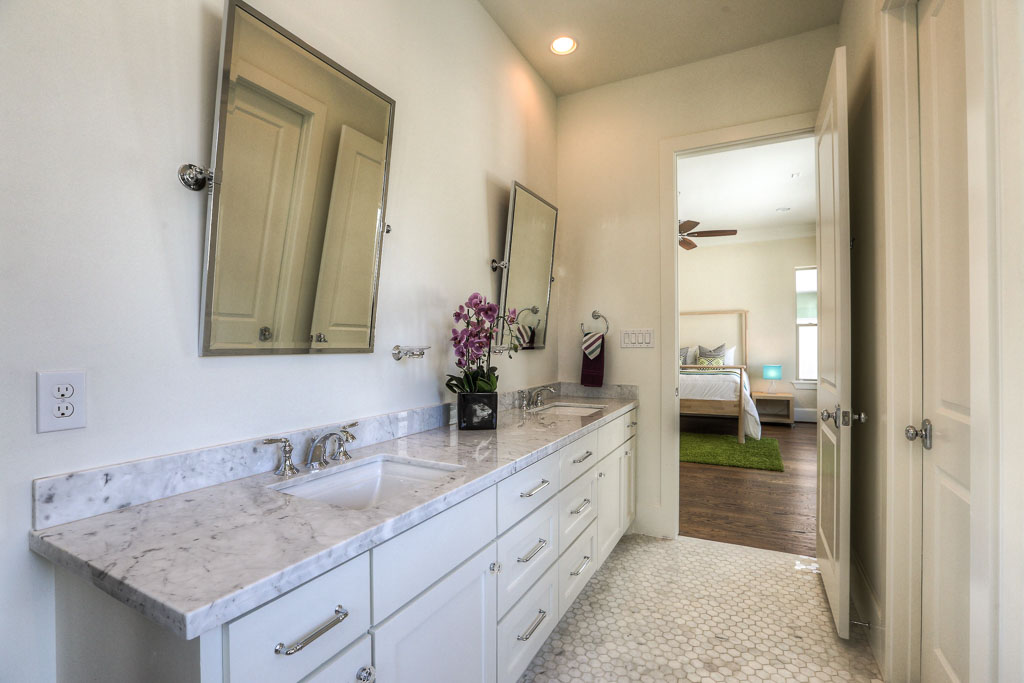Woodvine Home Master Bathroom